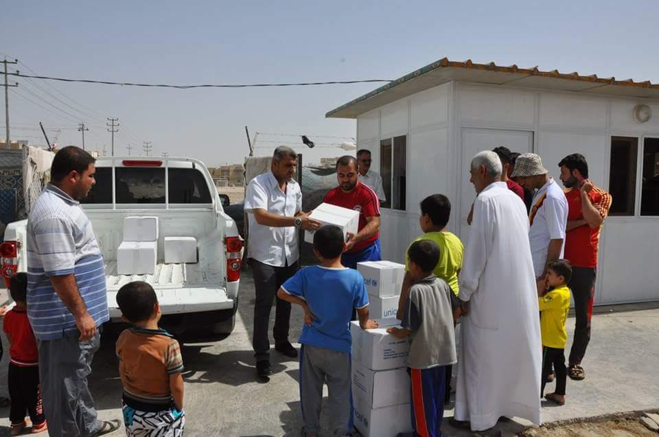 بالتعاون مع اليونسيف صحة ذي قار تقدم المساعدات لأكثر من (600) عائلة نازحة في ذي قار